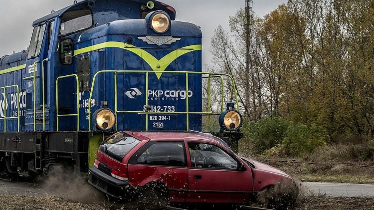 PKP PLK. Nie ma wakacji od bezpieczeństwa na przejazdach kolejowych.