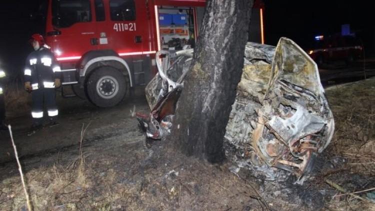 5 osób spłonęło w aucie. Tragiczny wypadek pod Braniewem - 22.02.2018
