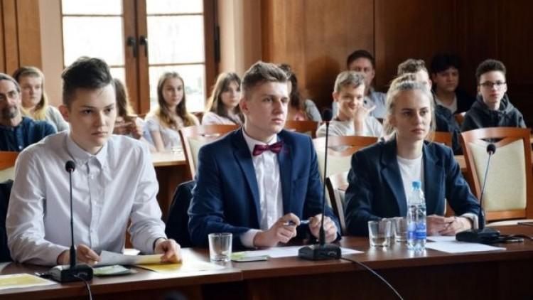 Nagrody i podziękowania podczas VI Młodzieżowej Rady Miasta Malborka