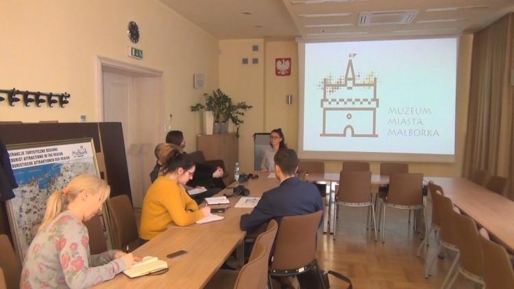 Muzeum Miasta Malborka wystartowało! Zobacz logo. Na konferencji o planach…