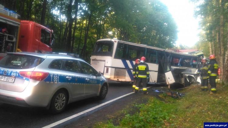 Zderzenie ciężarówki z autobusem przewożącym dzieci, zginęły dwie…