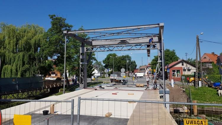 Nowy Dwór Gdański. Już w lipcu pojedziemy wyremontowanym mostem zwodzonym…