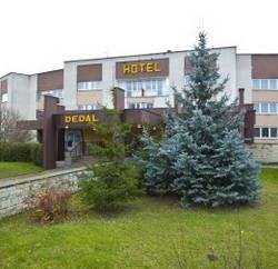 "Hotel Dedal Malbork - Restauracja hotelowa ""Siódme niebo"""