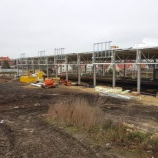 Budowa pawilonu handlowego na Chodkiewicza w Malborku. Zobacz postęp…